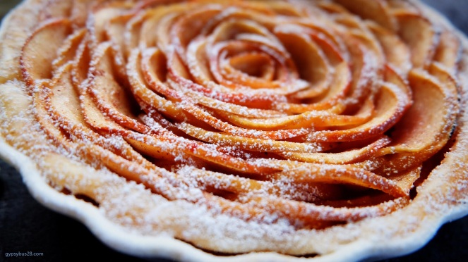 Rose apple pie 1
